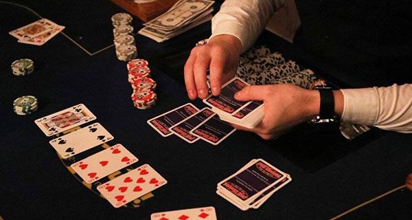 Poker kaarten delen
